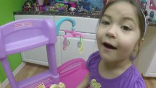 BABY ALIVE EATS DRINKS PEES & POOPS GROSS Giant Egg Surprise Opening Toy Changing Baby Diaper
