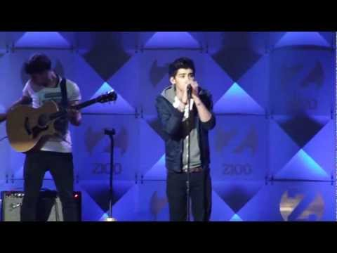 One Direction - Little Things - Z100 Jingle Ball 2012 HD (Partial)