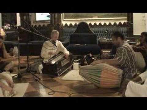 NY Eve Bhajan - Mukunda Datta das - Sri Siksastakam - 14/16