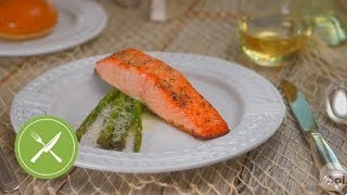 Broiled Salmon Fillet With Asparagus | Kitchen Daily