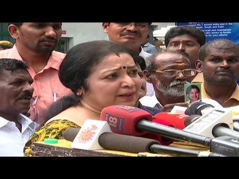 Jayalalitha News - Actress Latha Visits Apollo to Meet Jayalalitha