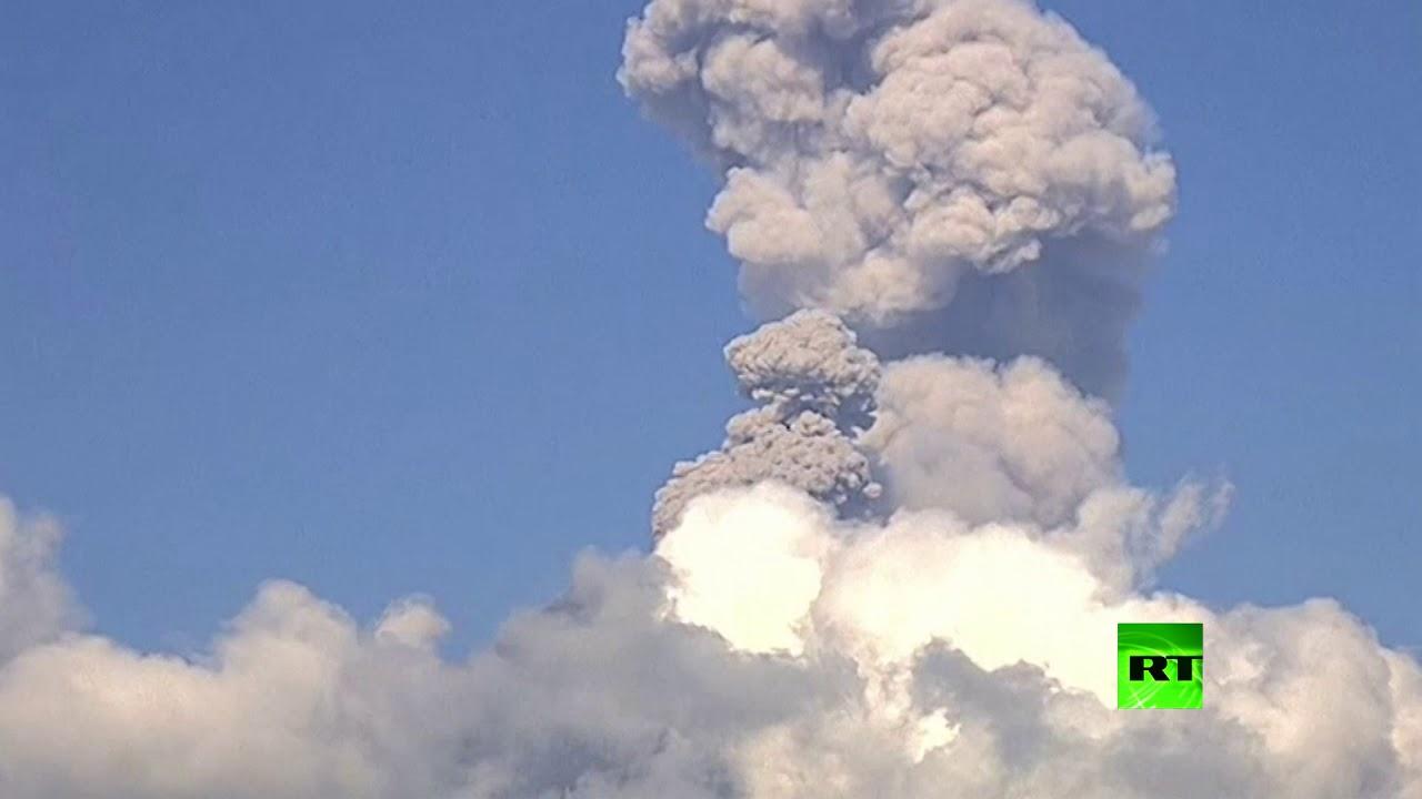شاهد.. لحظة ثوران بركان بوبوكاتبتبيل في المكسيك
