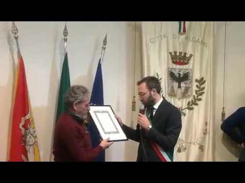 Conferita la cittadinanza onor...