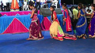Most Beautiful And Hot Desi Village Girls Dance On Indian Gujarati Wedding, Marriage