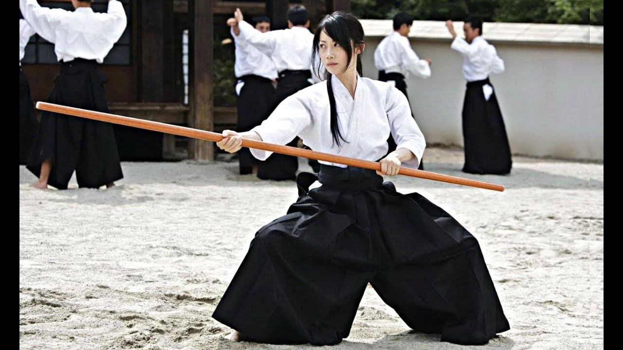 Girls practicing AIKIDO - AIKIDO Tribute