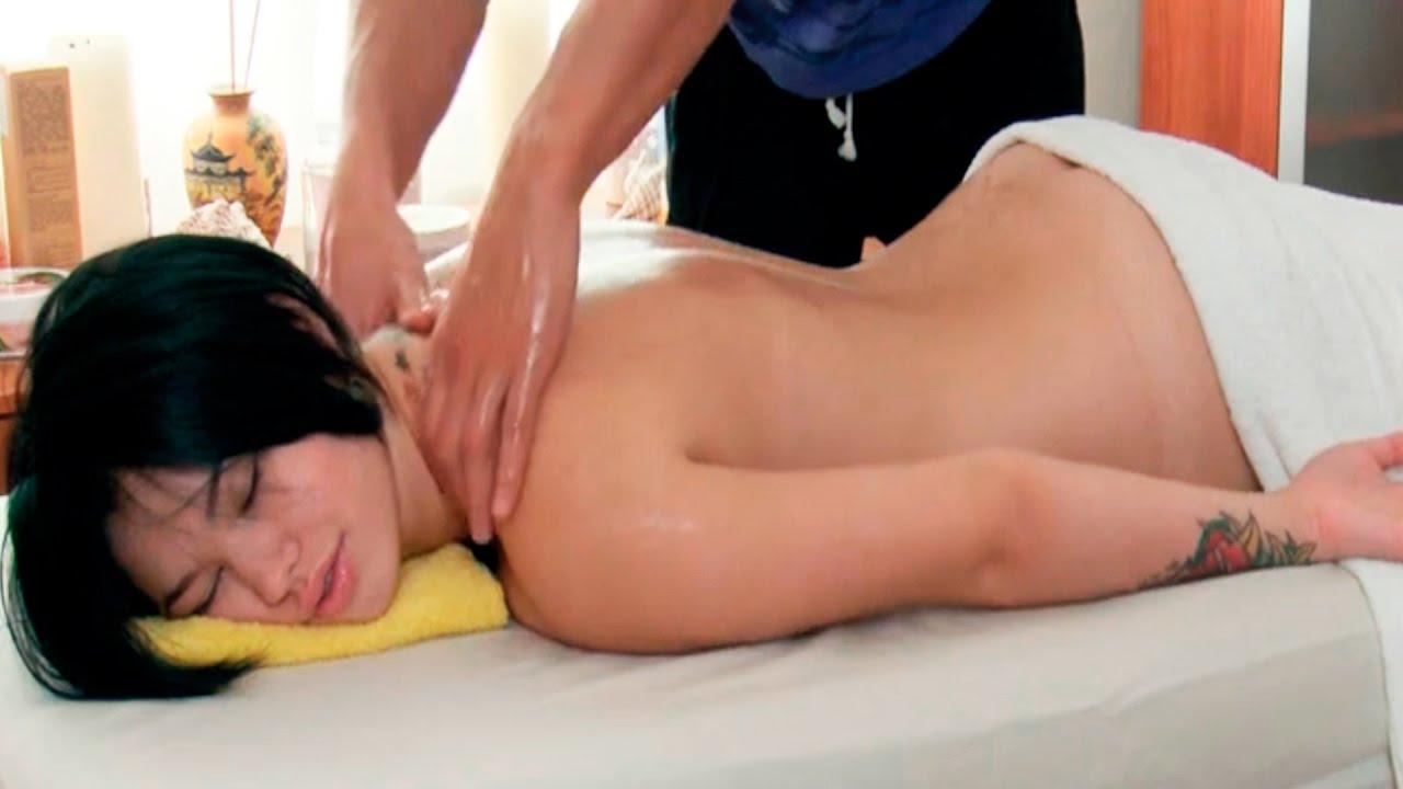Russian woman gets oil massage