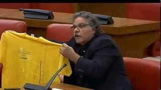 Joan Tardà regala a Margallo una samarreta de la Via Catalana #ViaCatalana