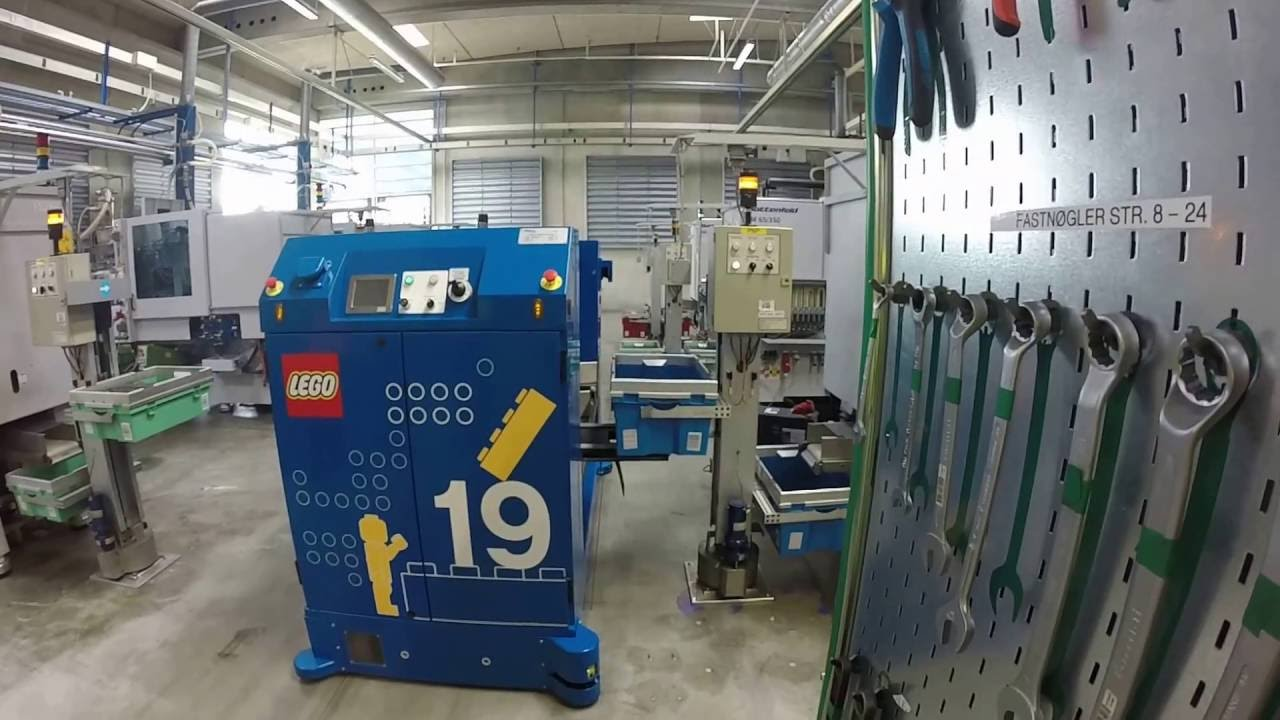 A l 39 int rieur de l 39 usine lego de billund au danemark part 3 youtube - Usine de meuble au portugal ...