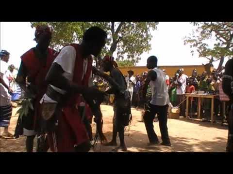 Film Burkina Faso 2012 bezoek aan de school in Ralo