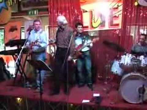 Gary Stewart Hurst & Shadowmania - That's Allright...