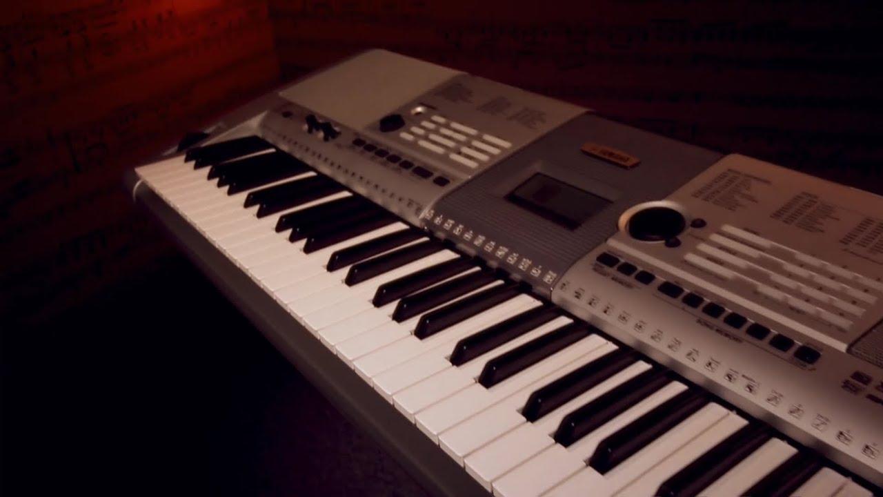 Yamaha PSR-I425 Portable Keyboard - Discontinued