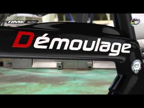 Fabrication d'un vélo de course carbone aux normes UCI