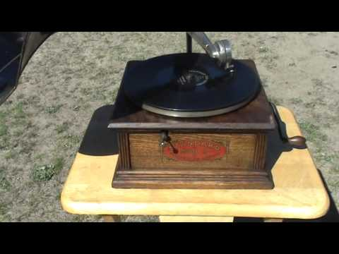 1910 Standard Talking Machine Model A Phonograph Playing