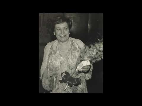 Alicia de Larrocha plays Debussy - L'isle joyeuse [live, 1982]