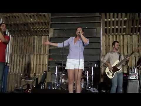 Wannabe (Spice Girls) -- White Ford Bronco
