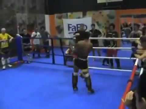 Kral Muay Thai Saenchay ortağı fikir tartışması teslim! Süper Nakavt