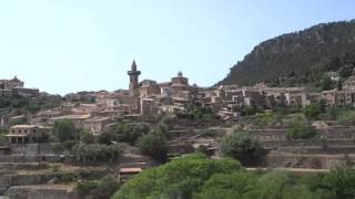 Mallorca : Deia - Valldemossa Bus Ride ( SPAIN )