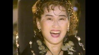 ライブビデオ「スタジアム伝説 '92 born Ⅶ」より。 アルバム「Flower be...