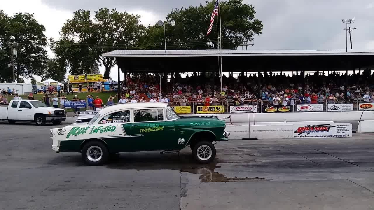 `Midnite Express` Blown 57 Chevy vs `Rat Infested` Pancho Packing 55 Gasser  Beech Bend Drag Strip