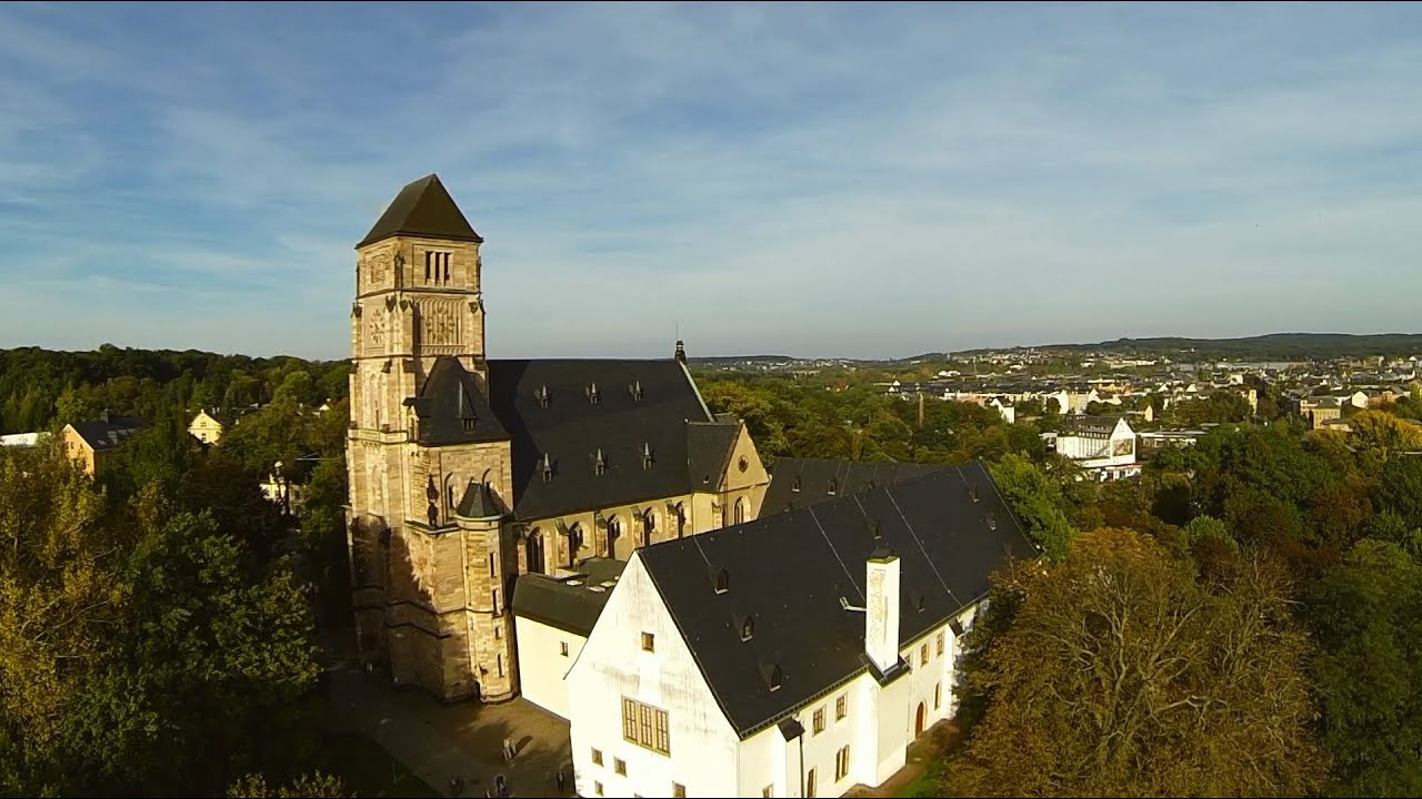 chemnitz schlo kirche und schlo teich dji phantom 2 gopro 3 be drohne kopter youtube. Black Bedroom Furniture Sets. Home Design Ideas
