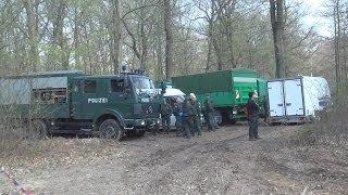 Polizei räumt Hambacher Forst in Kerpen am 27.03.2014 O-Ton RWE/Stadt/Polizei