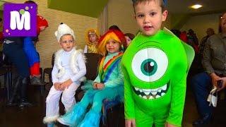 Новогодний утренник Макса в детском саду c Дед Морозом и конфетой гигантским питоном Christmas Party