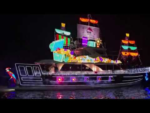 The 109th Newport Beach Christmas Boat Parade - YouTube