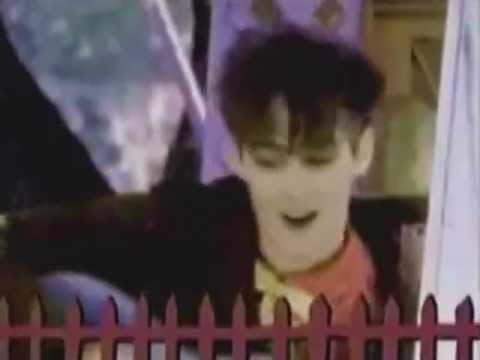 Aztec Camera - Oblivious (Official Video) (REMASTERED)
