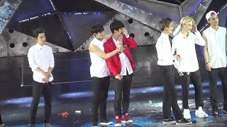 LUHAN's Last Stage with EXO T_T (Shalex vines)