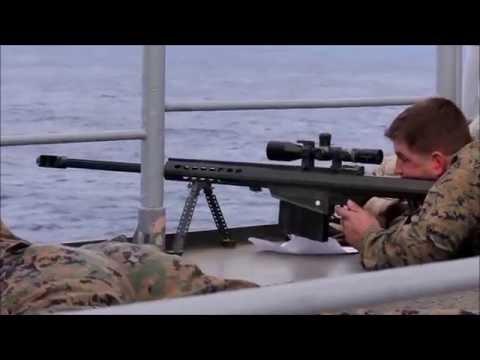 Exercice de tir au fusil de précision Barrett .50 par des tireurs d'élite US