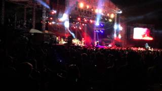 blake shelton at country jam usa 2015 in eau claire wi