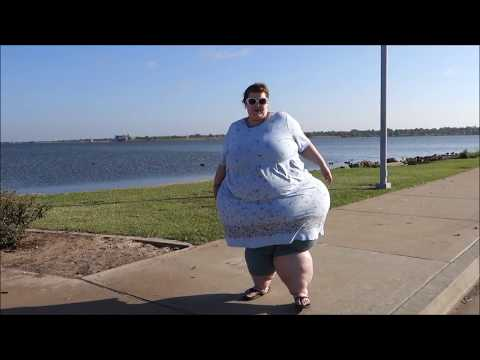 SSBBW CHASING Birds AND DUCKIES