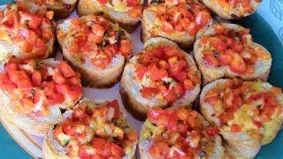 Никогда не задерживаются на столе!!! Для завтрака и перекуса - Бутерброды с помидорами и сыром.
