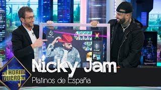 Pablo Motos entrega a Nicky Jam todos los platinos que ha conseguido en España - El Hormiguero 3.0