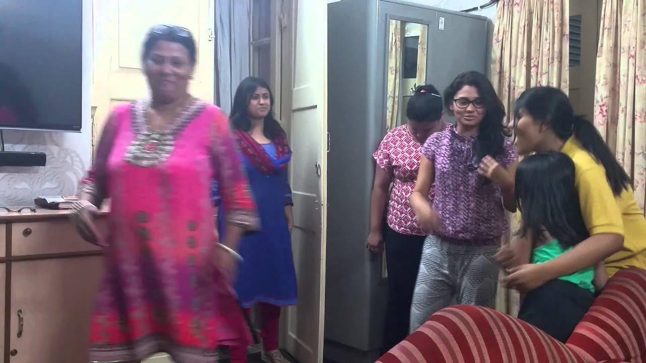 burdwan girls Burdwan news : 3 girls & clients arrested from a city hotel.