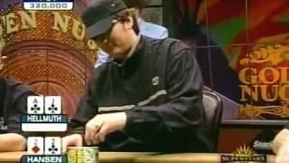Gus Hansen devient fou ! Il joue sans regarder ses cartes !