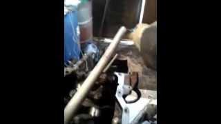 Динамометрический ключ(Своеобразный динамометрический ключ при ремонте двигателя., 2013-02-25T06:10:18.000Z)