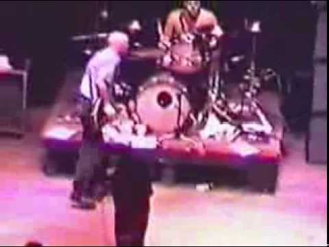 Descendents - 05 of 21 - Cheer - Live Liberty Hall 22/11/1996 mp3