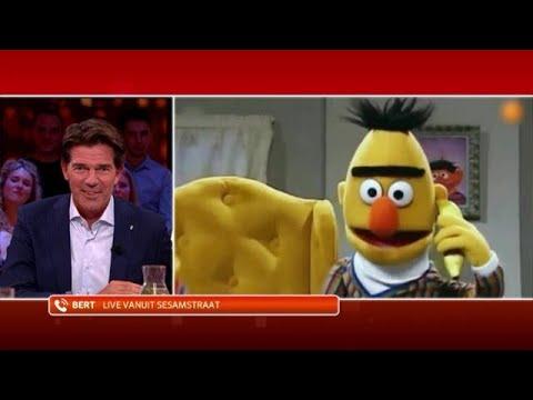 Twan Huys belt met Bert uit Sesamstraat - RTL LATE NIGHT MET TWAN HUYS