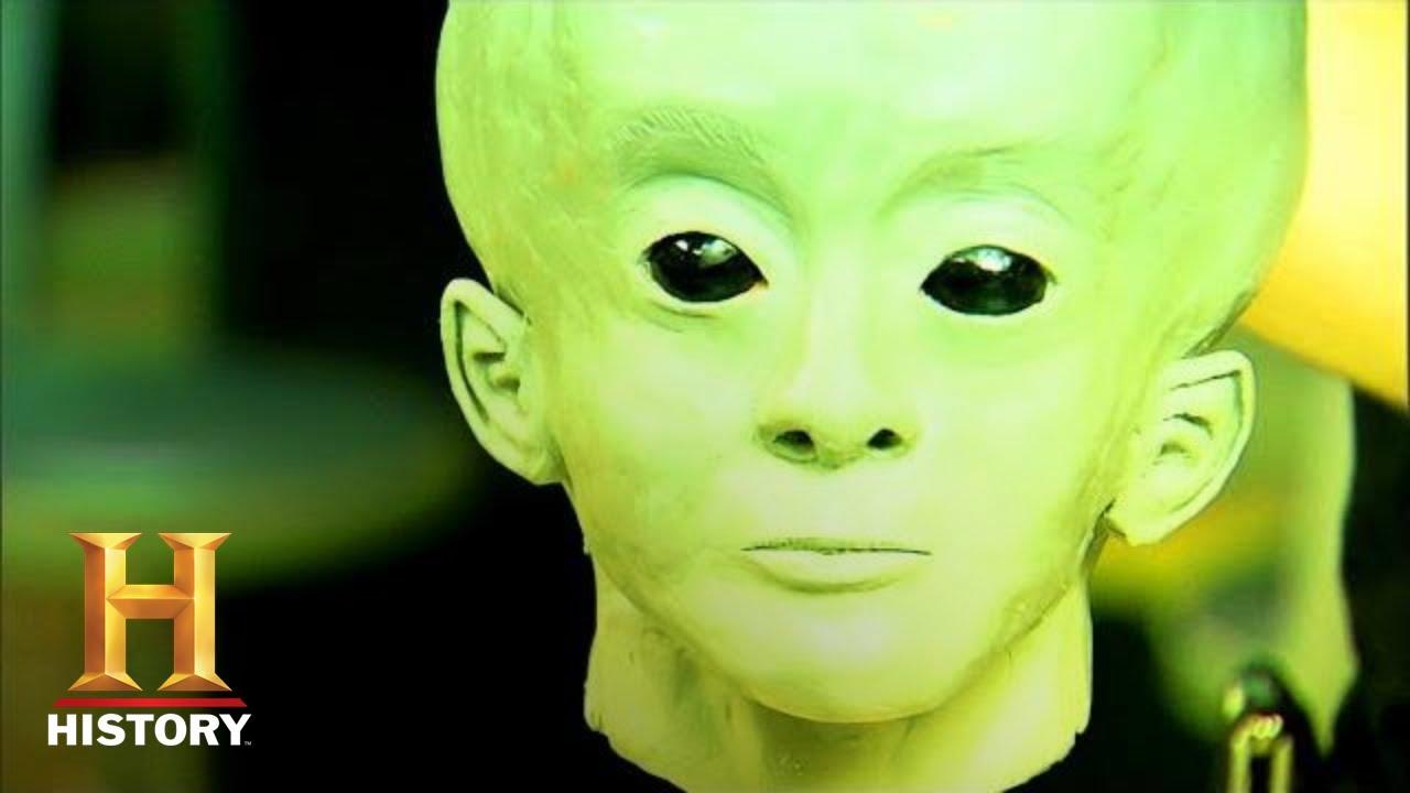 Download UFO Hunters: Starchild Skull is Missing Link (Season 3)   History