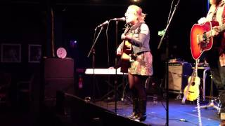 "Lydia Loveless ""Bad Way To Go"", live, Östersund, 1 mars 2013"