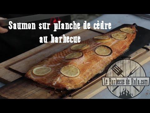 saumon-sur-planche-de-cèdre-au-barbecue