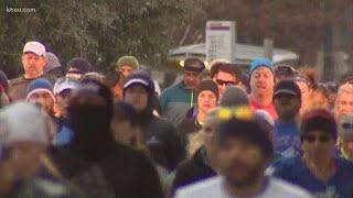 Thousands of runners prepare to run in Chevron Houston Marathon