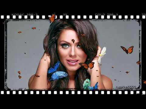 Юлия Началова с бабочками