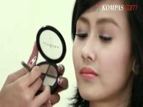 tutorial-make-up---cantik-dengan-lipstik-berwarna-orange