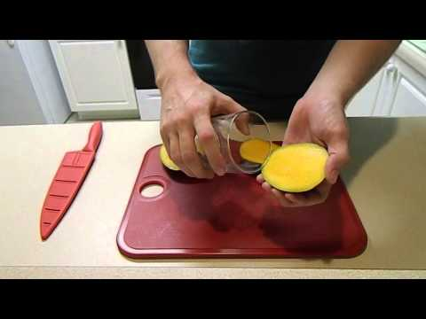 How to Peel a Mango in Under 10 Seconds