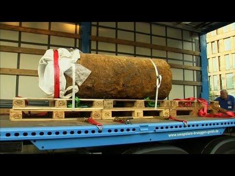 British world war two bomb safely defused in Frankfurt