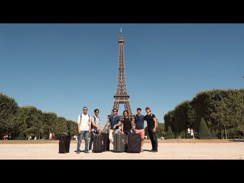 Our HUGE Filipino family goes to Paris!! Woot woot :P
