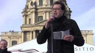 Intervention de Jérôme Triomphe à la manifestation pour la dissolution du groupuscule Femen.(, 2014-02-10T08:08:20.000Z)