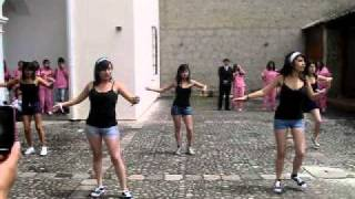 coreografía en la casa abierta